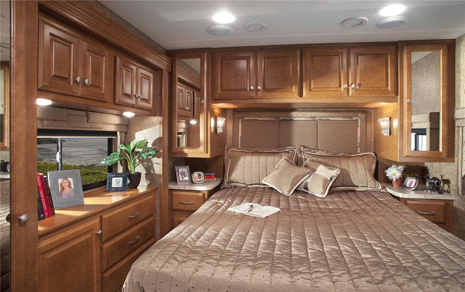 New Motorhome Reviews