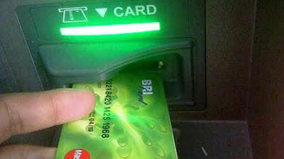 lubang tempat memasukan ATM tipe 2