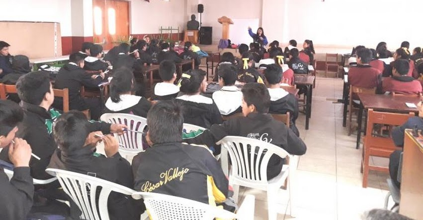 Gerencia Regional de Trabajo de la Libertad realizó orientación vocacional en Santiago de Chuco