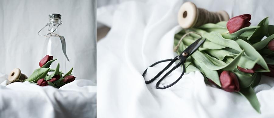 Blog + Fotografie by it's me! - Wohnen - Collage von dunkelroten Tulpen und Deko