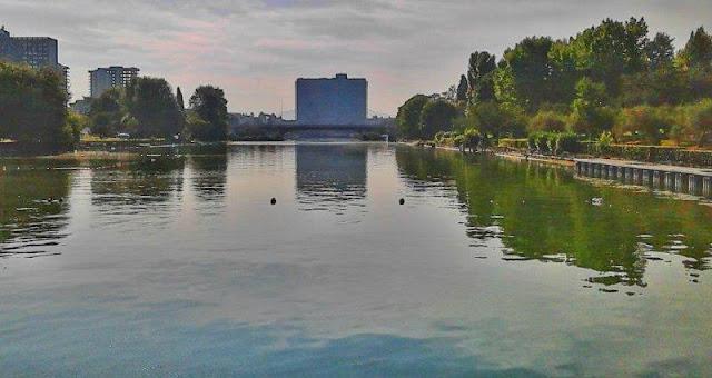 Parco Centrale del Lago en el EUR en Roma