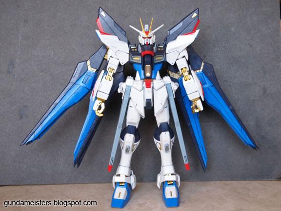 Gundam Meisters: Review: MG 1/100 - Strike Freedom Gundam