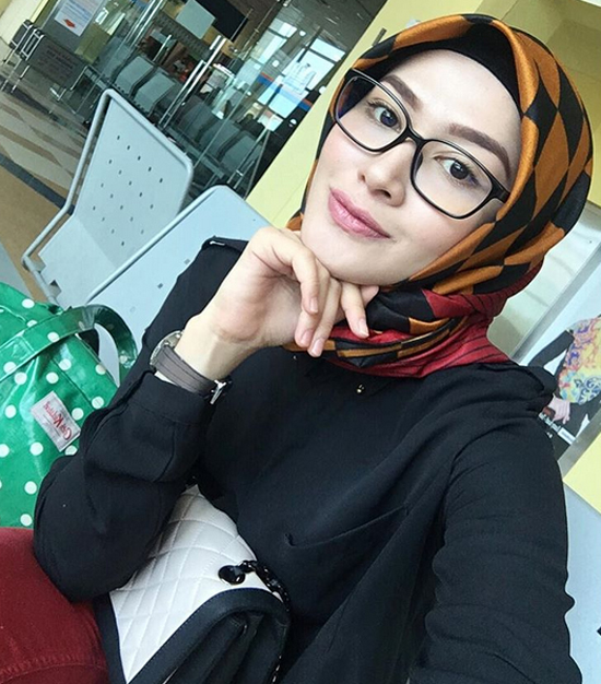 Niena Baharun Tetiba Hot