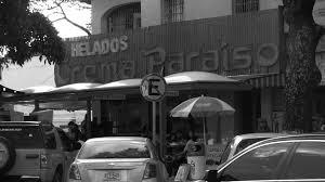 letrastereo_crema_paraiso