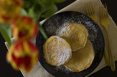 Flaumige Pancakes mit Zimt und Zucker