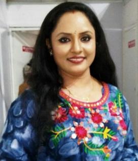 Nisha Sarangh-Actress in Malayalam Films & Serials |  Uppum Mulakum Serial Actress Neelima(Neelu)