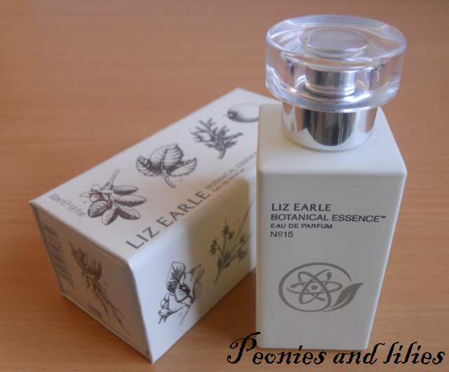 Liz Earle Botanical Essence No 15 eau de parfum, Liz Earle perfume, Liz earle fragrance, Liz Earle Botanical Essence No 15 eau de parfum review, Liz earle christmas gift, Liz earle no 15