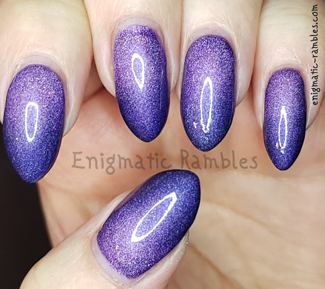 Nails-A-England-Holo-Gradient