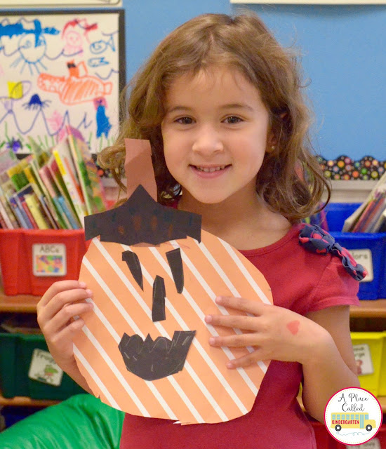 This is a simple pumpkin craft for kids that can be done quickly to kick off the Halloween season. These jack-o-lanterns made out of scrapbook paper will be a big hit with your Kindergarten students. Check out this post and make this Halloween craft today.