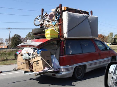 setiap kendaraan beroda empat tentu saja diberikan ruang bagasi yang berkhasiat untuk menyimpan barang bawaan Efek Negatif Bawa Barang Berlebihan Di Mobil