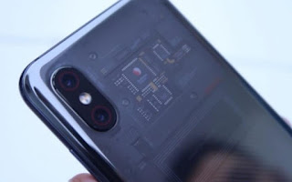 XIAOMI مي 8 إكسبلورر: الزجاج الشفاف الخلفي يظهر مكونات وهمية!