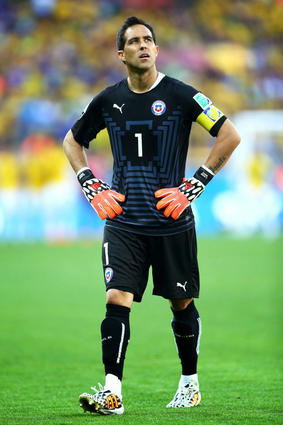 claudio-bravo-biography-facts-age-height-Girlfriend-2017-Images