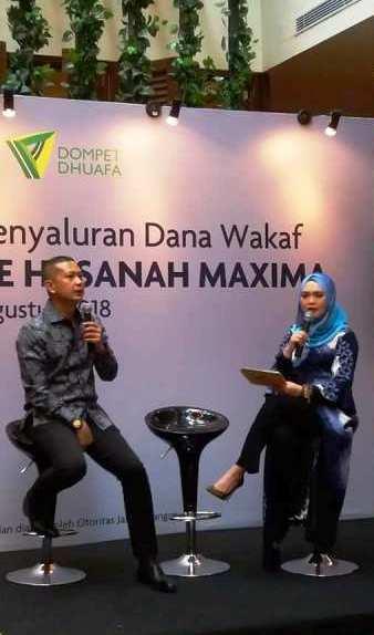 pak norman nugraha menjelaskan cara wakaf asuransi brliiance hasanah maxima nurul sufiri blogger