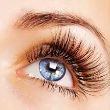 NATURAL TIPS TO GET THICK AND LONG EYELASHES
