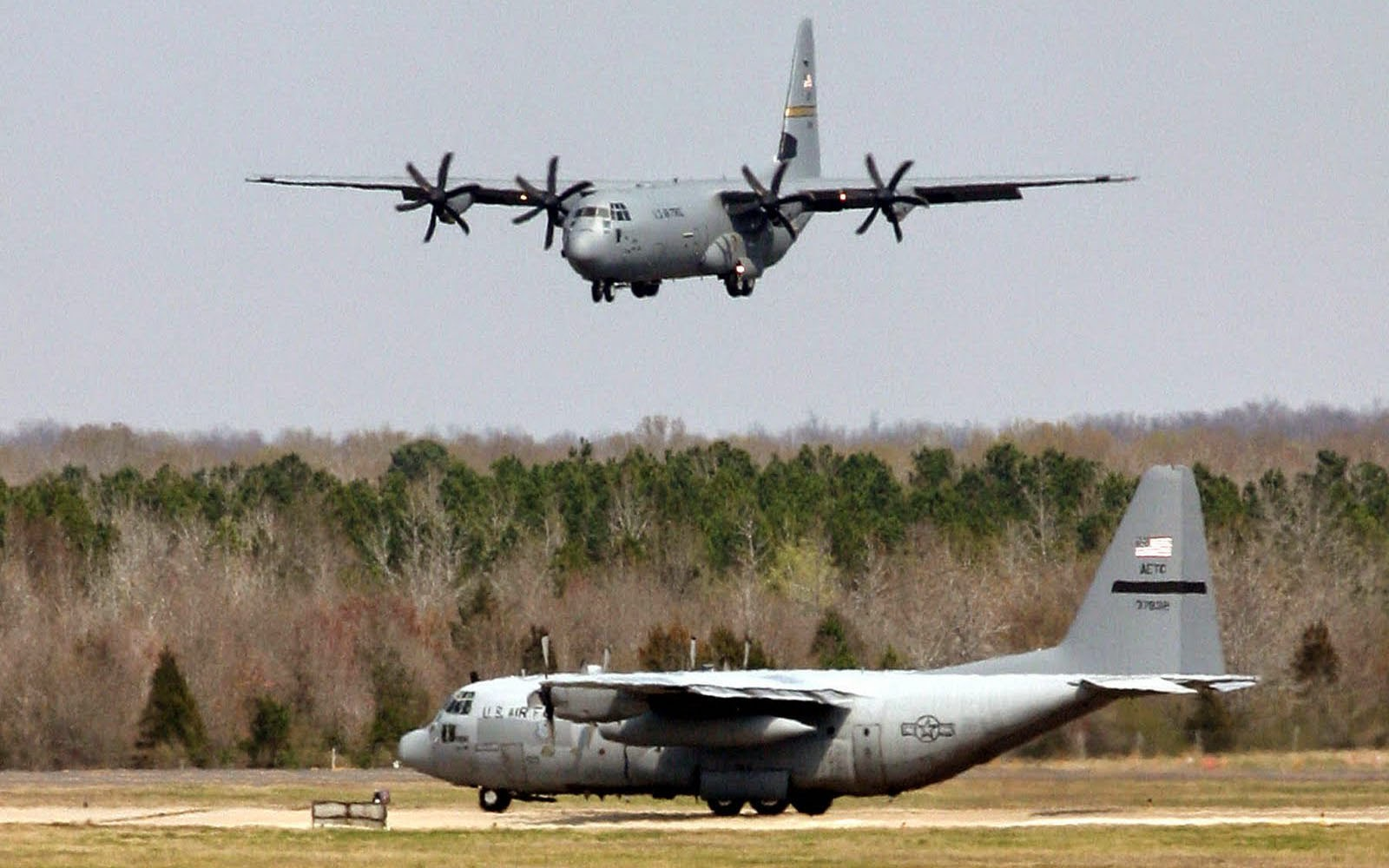3d Virus Wallpaper Wallpapers Lockheed C 130 Hercules Wallpapers