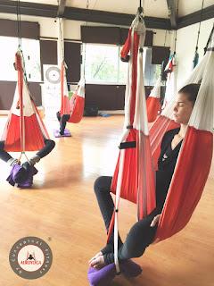 aerial yoga, aero yoga, air yoga, ansiedad, coaching, deporte, dolor cabeza, dolor espalda, ejercicio, estres, fitness, pilates, salud, stress, yoga, yoga aereo