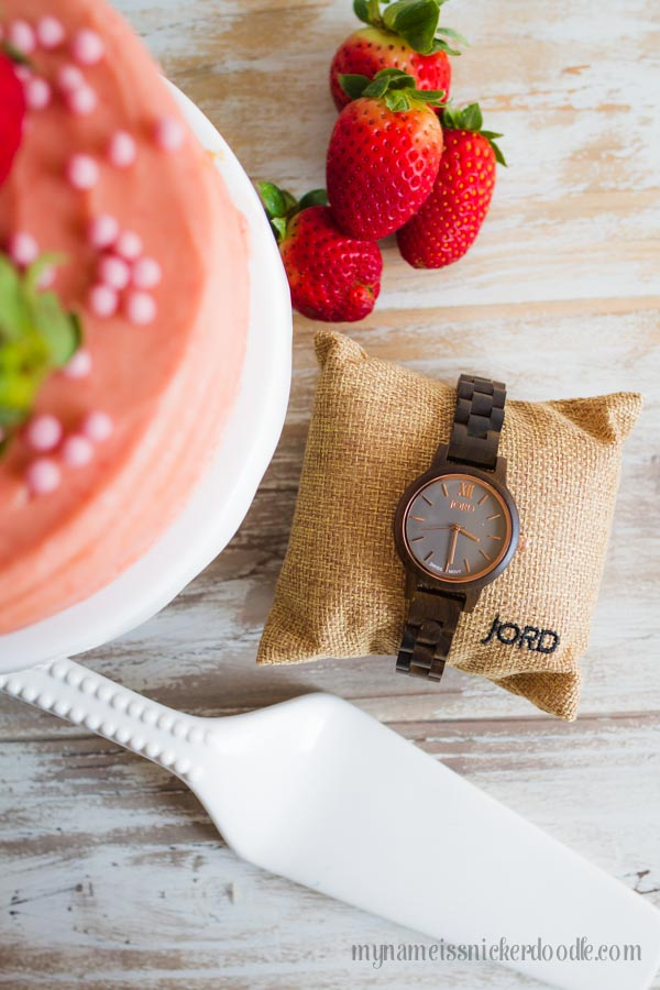 Gorgeous Wood Watch from Jord! Check out this giveaway!  |  mynameissnickerdoodle.com
