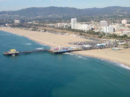 روعة المدن الساحلية Santa-Monica-1.jpg