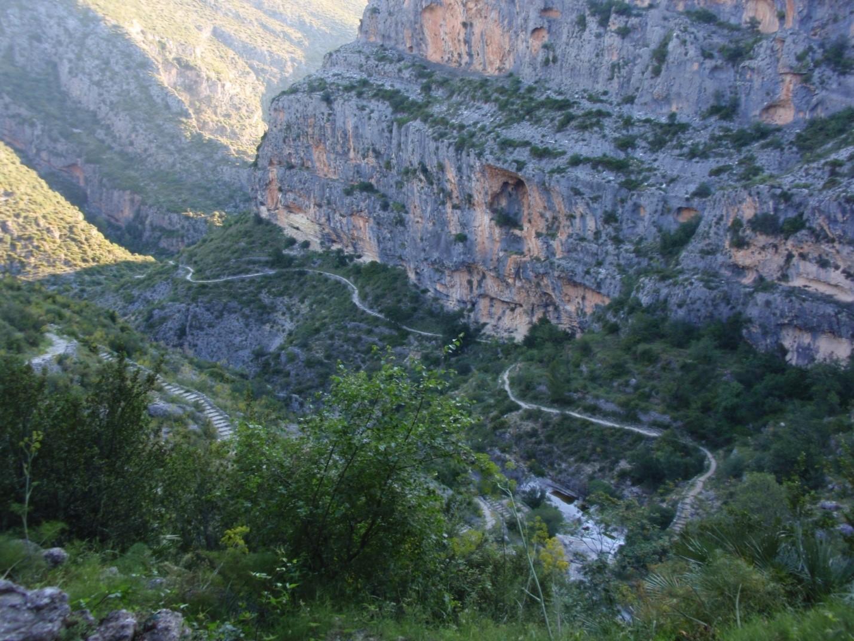 Centro Excursionista de Alicante: LA CATEDRAL DEL SENDERISMO