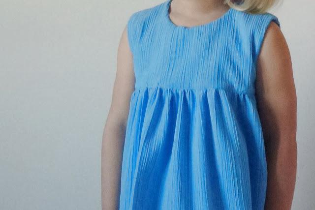 Blue dress - detail