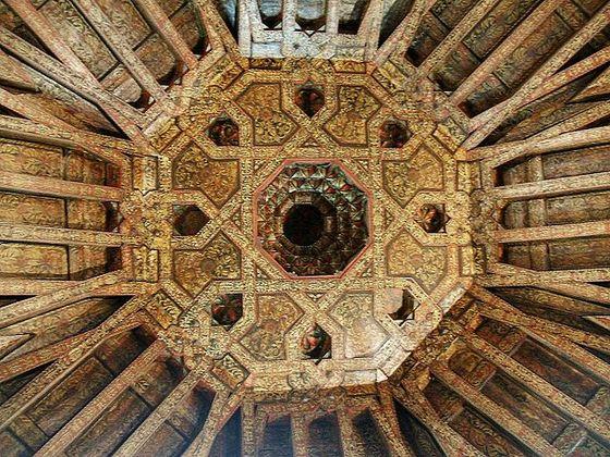 imagen_burgos_arco_santa_maria_puerta_carlos_v_renacimiento_arte_escultura_artesonado_mudejar