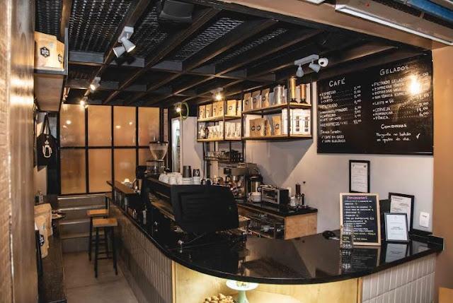 Cafe Ao Leu inaugura sua primeira loja física