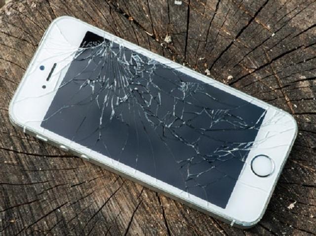 Thay-man-hinh-iPhone-SE-uy-tin