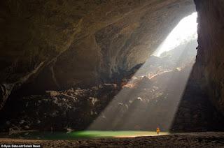 Cahaya Surganya Son DOong cave