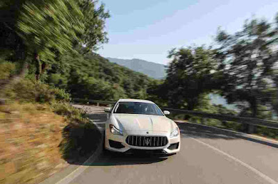 Photos of the 2016 Maserati Quattroporte GTS Car Front
