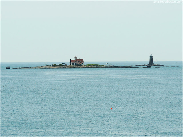 Wood Island y el Faro Whaleback en Kittery Point, Maine