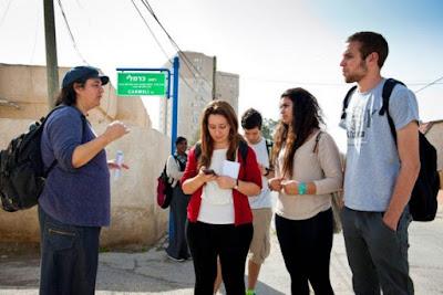 Interaksi Sosial : Proses dan Cara serta kendala-kelndala dalam Berinteraksi