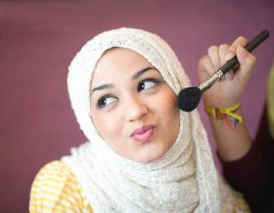 Tips Agar Wajah Tidak Belang Saat Memakai Jilbab