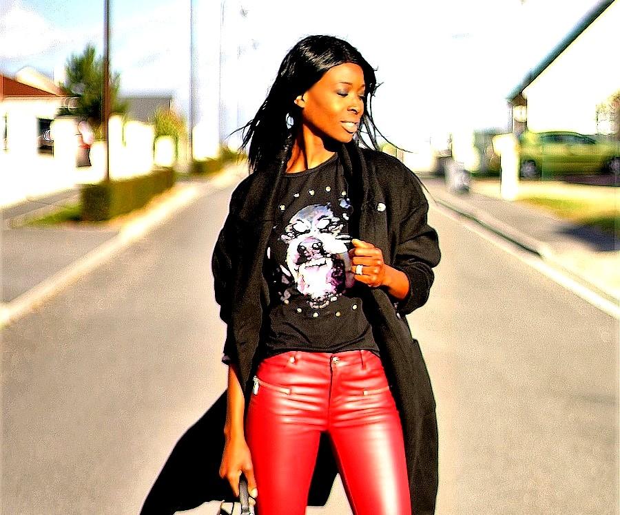 givenchy-t-shirt-look-rock-pantalon-rouge-cuir