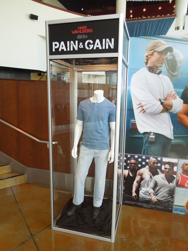 Mark Wahlberg costume Pain Gain