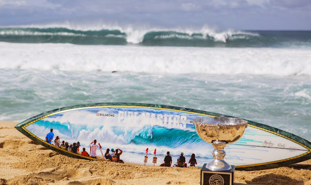 33 Billabong Pipe Masters Pipe Trophy Foto ASP