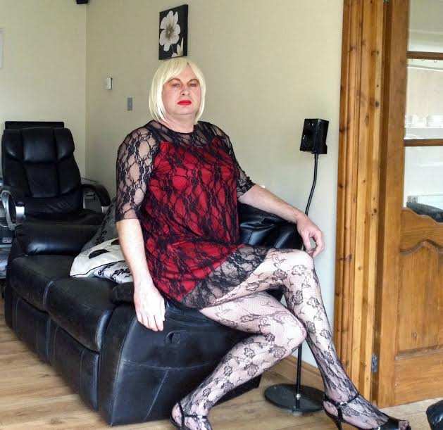 daily sissy photo daily sissy photo andresa a little red