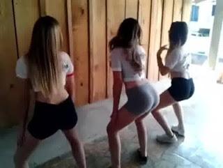 Novinhas dançando funk na igreja