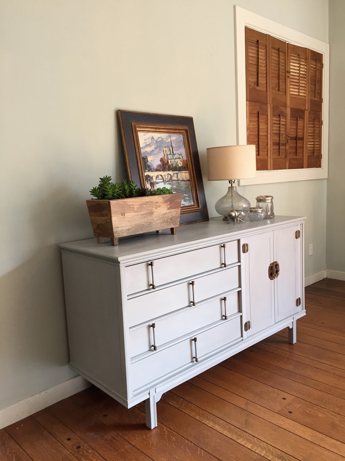 Want A Peek At The Inside, Just For Fun? I Got Some Good Shots Of How I  Paint The Inside Of A Dresser So That It Looks Clean And Tidy But I ...