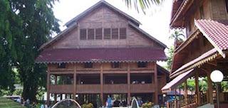 Rumah adat dari Provinsi Sulawesi Tenggara