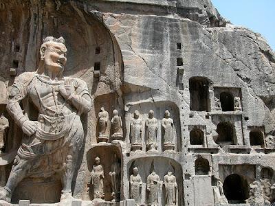 giant+Datong+yungang+grottoes+asura+great-wall-hikers+flickr+8571126973_70714fd1af.jpg