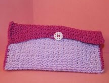 http://translate.googleusercontent.com/translate_c?depth=1&hl=es&rurl=translate.google.es&sl=en&tl=es&u=http://www.crochetier.com/patterns-anleitungen/free-patterns/sleeping-princess-eye-mask-case/&usg=ALkJrhhCau85BzdW41La4HToRTir6E4E5g