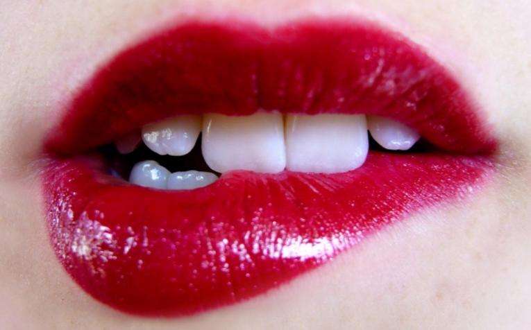 Cara Memerahkan Bibir dengan Cepat Secara Alami dan Permanen dalam Waktu 1 Minggu Saja