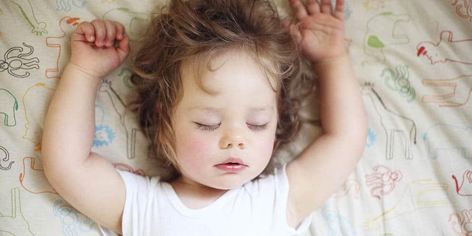 En iyi uyku saati, Gece sık uyanan bebek, Gece sık uyanan bebekler, 2 yaş sendromu uyku, Uyku saatleri, Gece sık uyanma, Çocuklarda uyku sorunu, GE, Ö,