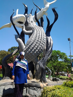 Tugu Surabaya jawa timur
