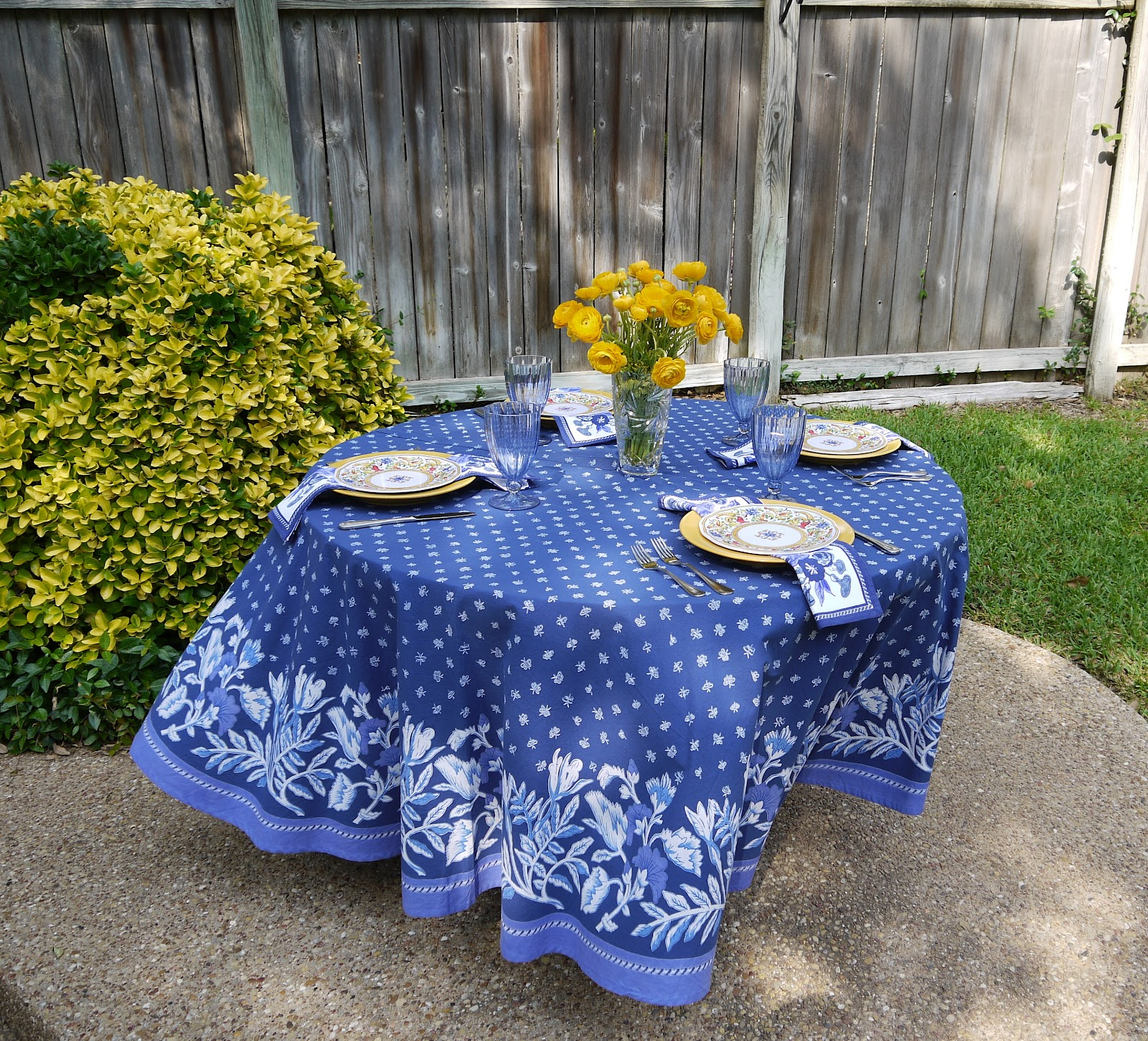 The Dull And The Dutiful: Blue And Yellow Outdoor Table
