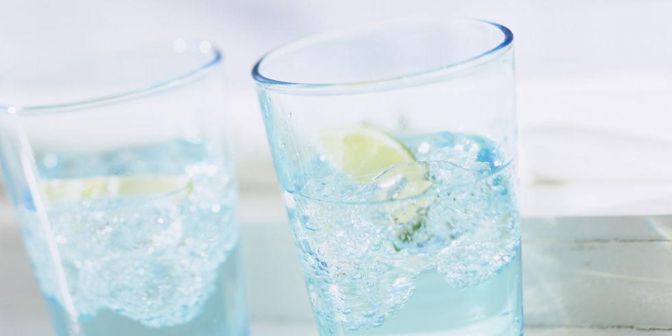 كم من الماء يجب أن تشرب كل يوم؟