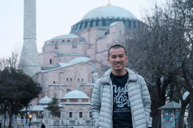 Telak! Balas Sukmawati, Ustadz Felix Siauw Bikin Puisi 'Kamu Tak Tahu Syariat'