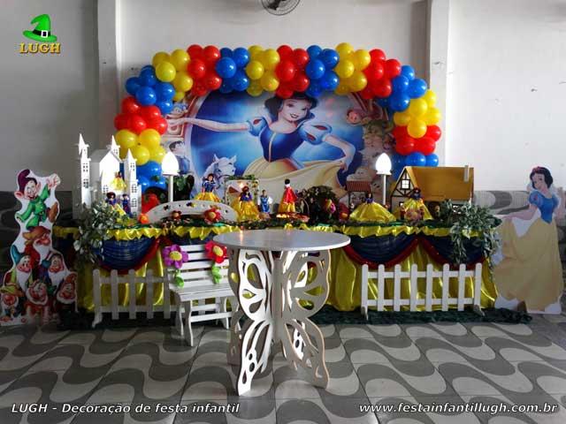 Decoração da mesa de aniversário Branca de Neve - Mesa temática de festa infantil na Barra-RJ