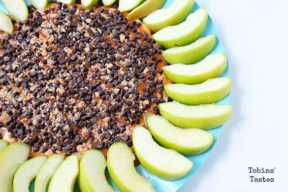 http://www.tobinstastes.com/2016/09/caramel-apple-cheesecake-dip.html