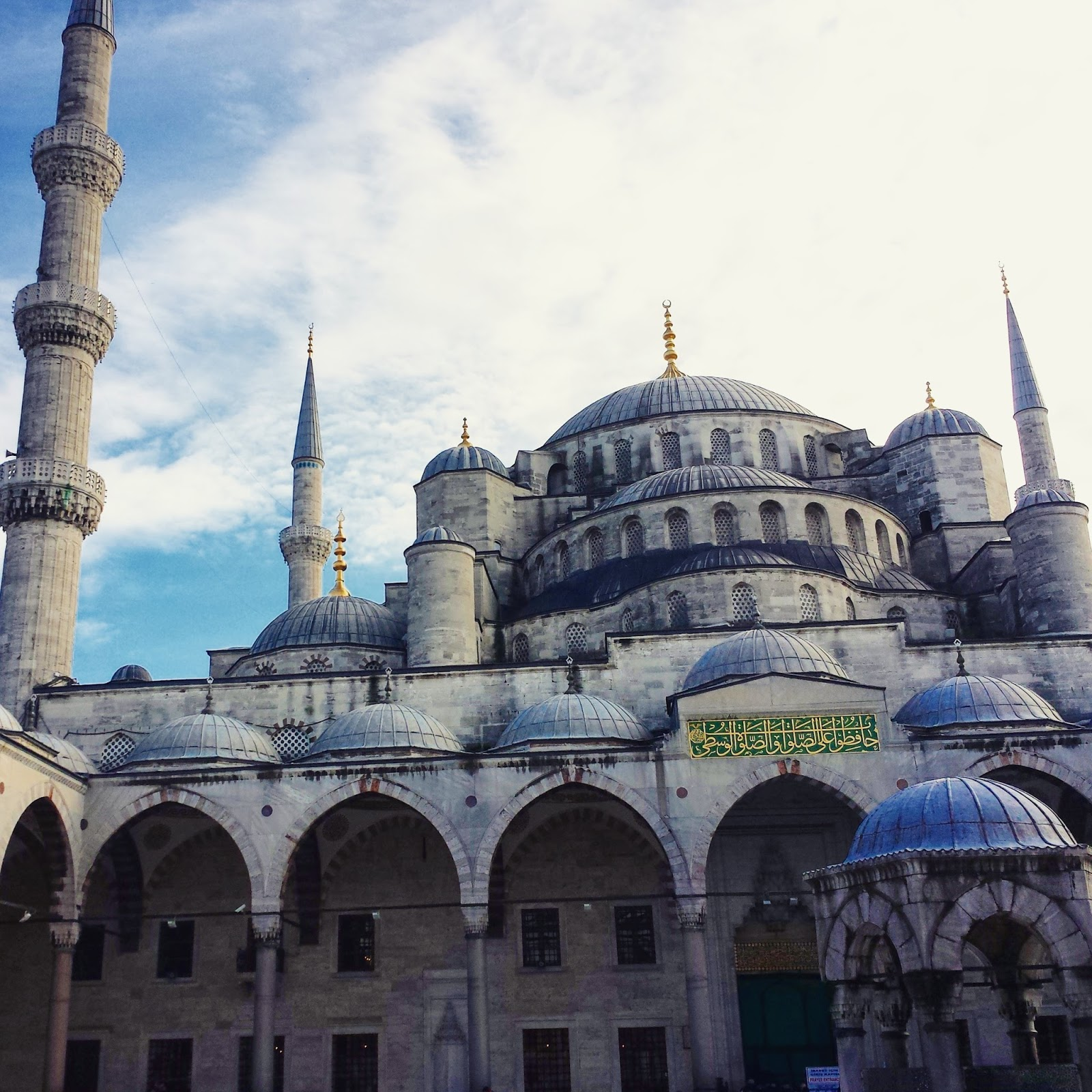 Visiting Istanbul for the first time, Blue Mosque  |  Postcard from Istanbul on afeathery*nest  | http://afeatherynest.com